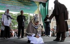 Gái có chồng bị phạt 100 roi vì đứng gần người đàn ông khác