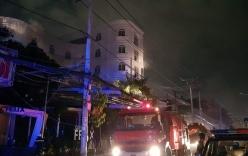 Cháy quán karaoke dữ dội khiến 25 người mắc kẹt kêu cứu