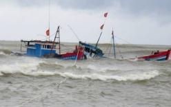 Chồng bơi đến ngất xỉu tìm vợ bị lật thuyền trong bão số 12
