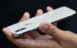 Nữ sinh sư phạm bị đuổi học vì đồng ý thoát y để lấy iphone X