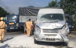 Ô tô chở 10 người nước ngoài bốc cháy sau tai nạn 6 xe tông liên hoàn