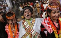 Hy hữu bộ tộc có tục tự do đổi vợ trên đỉnh Himalaya
