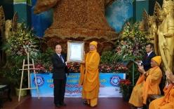 Tượng Phật làm từ 1,6 tấn Hoa bất tử ở Đà Lạt được xác lập kỷ lục thế giới