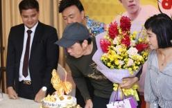 Hoài Linh đón sinh nhật bất ngờ từ các đồng nghiệp