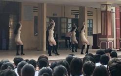 Trường học bị chỉ trích vì biểu diễn văn nghệ phản cảm