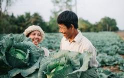 """Ra mà xem cặp """"bố mẹ yêu thương nhau giữa mùa bắp cải"""" hot nhất MXH - 25 năm sống dưới túp lều tranh giận nhau đúng 1 lần"""