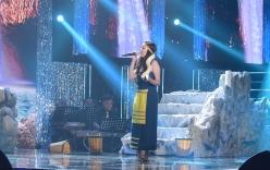 Thí sinh Cặp đôi vàng mang trăn lên sân khấu khiến Cẩm Ly hoảng sợ
