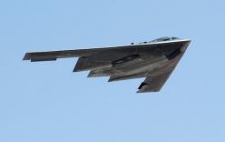 Cận cảnh uy lực siêu máy bay ném bom tàng hình đáng gờm nhất của Mỹ