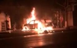 Tưới xăng, đốt chiếc ôtô 7 chỗ của hàng xóm để trả thù cho vợ