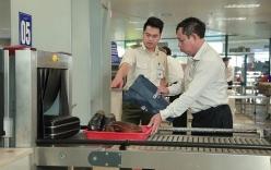 An ninh hàng không phát hiện khách nước ngoài quá cảnh mang theo súng và hàng trăm viên đạn