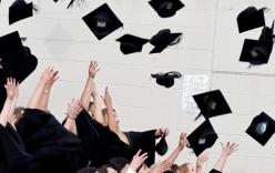 Mỹ: Reo hò, huýt sáo, gọi tên bạn khi nhận bằng tại lễ tốt nghiệp sẽ bị phạt hơn 1000 USD