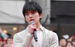 Bê bối tình dục chấn động của tài tử Nhật: 14 tuổi đã có con với bạn của mẹ