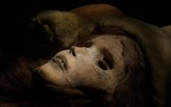 Giải mã thuật ướp xác thời cổ đại: Gần 4.000 năm vẫn còn nguyên mái tóc, hàng mi cong vút
