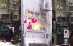 Hong Kong: Người dân tụ tập dưới sân chung cư xem