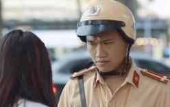 Lộ diện cô bạn gái xinh đẹp của chàng cảnh sát Mr. Cần Trô phim