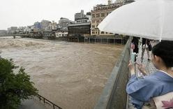 Nhật Bản sơ tán hàng trăm nghìn người vì mưa lũ lịch sử