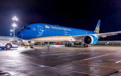 Máy bay nổ lốp khi hạ cánh, Cảng hàng không Vinh phải đóng cửa suốt đêm