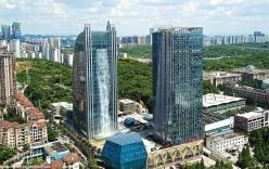 Thác nước khổng lồ đổ từ tòa nhà chọc trời ngốn 3 triệu tiền điện mỗi giờ