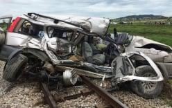Mới nhất vụ tai nạn tàu hỏa 4 người  thương vong: Tài xế xe 7 chỗ tiên lượng xấu