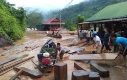 Nghệ An: Đập thủy điện xả lũ do mực nước cao lịch sử, cầu Bản Vẽ dài hơn 90m bị cuốn phăng