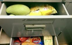 Dành cả thanh xuân để trữ đồ ăn vặt ở văn phòng, hội chị em công sở xem xong liền thấy bóng dáng mình trong đó