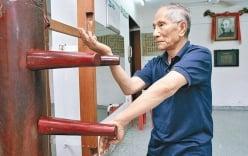 """Con trai Diệp Vấn thi triển Vịnh Xuân Quyền ở tuổi 95 khiến giới võ lâm """"bái phục"""""""