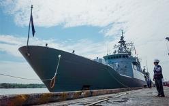 Nữ thuyền trưởng chỉ huy tàu New Zealand cập cảng Sài Gòn