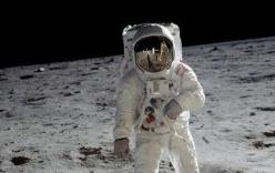 Có bỏ tiền tỷ cũng không mua được những chiếc máy ảnh đã được các phi hành gia đem lên Mặt trăng!