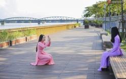 Cầu đi bộ lát gỗ lim 64 tỷ trên sông Hương trở thành địa điểm