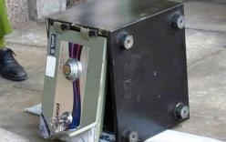 Trộm két sắt chứa tài sản hơn 1 tỷ đồng, khiêng ra ngoài hàng rào rồi bỏ lại