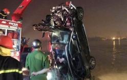 Vụ xe Mercedes rơi xuống sông: Xác minh CMND người đàn ông được tìm thấy trên xe