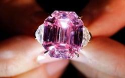 Cận cảnh viên kim cương hồng hiếm có gần 1,2 tỷ đồng