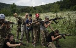 Hé lộ hình ảnh trại đào tạo các tay súng \