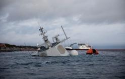 Video: Khoảnh khắc khu trục hạm Na Uy bị tàu chở dầu đâm rách thân sắp chìm hẳn