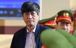 Sau khi bị đề nghị mức án, cựu tướng Hóa xin hỗ trợ y tế, nhiều nữ bị cáo bật khóc