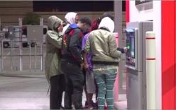 Cây ATM trả tiền không giới hạn, người dân ùn ùn kéo đến