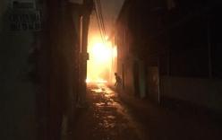 Nổ trụ điện ở chung cư Sài Gòn như pháo hoa, người dân có một phen khiếp vía