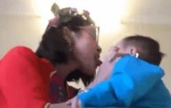Bella gây phẫn nộ khi khoe clip liếm mặt con