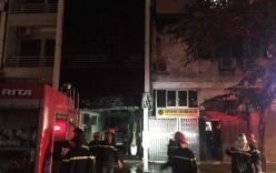Cháy quán karaoke, nhiều người hốt hoảng tháo chạy