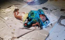 Bé trai 2 tuần tuổi bị bỏ lại giữa chợ, cảnh sát điều tra phát hiện điều ngỡ ngàng