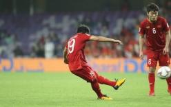 CDM Trung Quốc: Sao Việt Nam lại có thể sản sinh ra một cầu thủ đá phạt tốt đến thế nhỉ...?