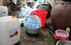 Quảng Ngãi: Bất ngờ phát hiện cơ sở sản xuất giấm ăn bằng... axít công nghiệp và nước lã