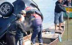 Vụ ô tô chở gia đình lao xuống sông ở Hội An: Xót xa cảnh vớt thi thể bé trai 6 tuổi