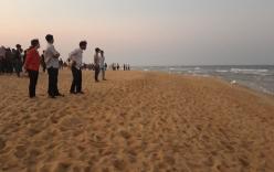 Quảng Nam: 5 học sinh tắm biển tử nạn, 1 em mất tích