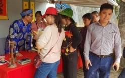 Nam Định: Hội đền Trần chưa khai mạc, du khách đã có ấn trong tay