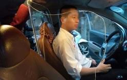 Lái xe taxi lắp khoang chắn bảo vệ sau vụ tài xế bị cướp sát hại
