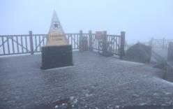 Nguyên nhân bất ngờ hiện tượng tuyết rơi trên đỉnh Fansipan