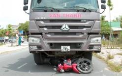 Tai nạn giao thông mới nhất ngày 22/2: Bị cuốn vào gầm xe tải, người đi xe máy tử vong thương tâm