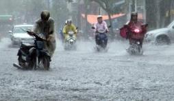 Bão số 7 đổ bộ Quảng Ninh, Hà Nội sắp mưa lớn