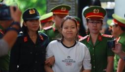 Vụ thi thể bị đổ bê tông: Nữ chủ mưu xin lỗi mẹ nạn nhân sau khi nhận án tử hình